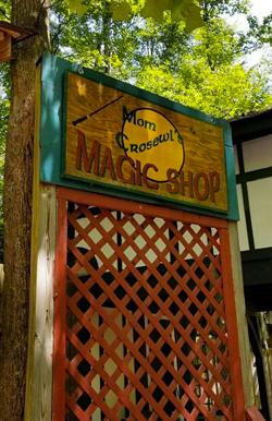 Crosewl-Magic - Cecil Con Vendor Hall